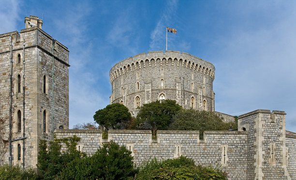 Round_Tower,_Windsor_Castle,_England_-_Nov_2006
