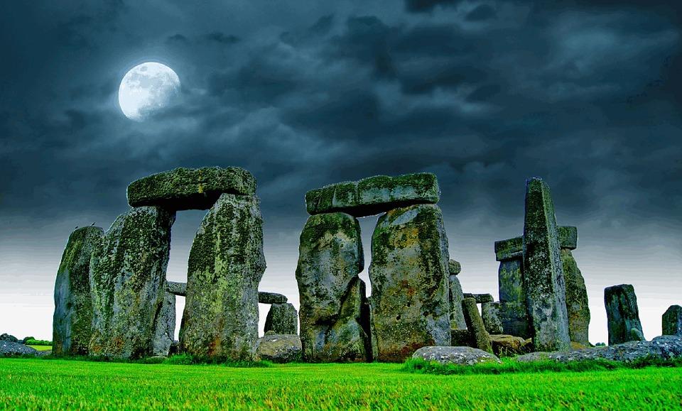 stonehenge-741485_960_720