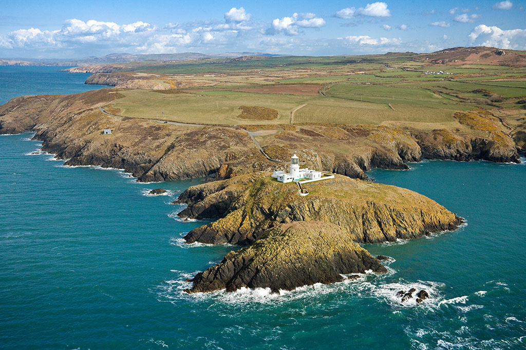 Wales-Coast-Path-in-Pembs