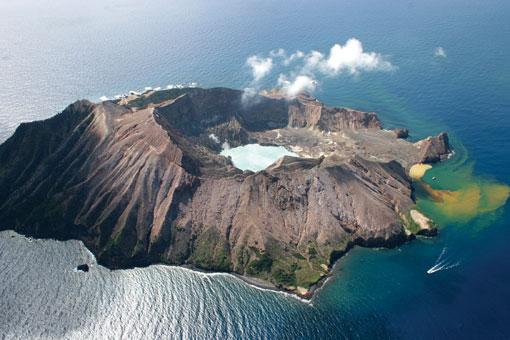 White-island_3